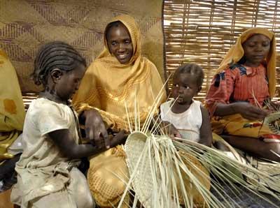 Darfur_womencraftmaking.jpg