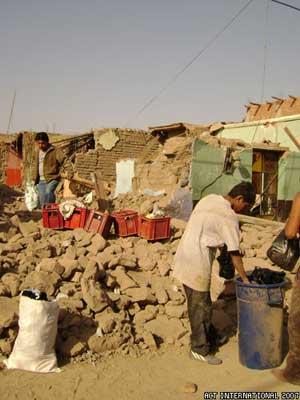Peruearthquake-117-small.jpg