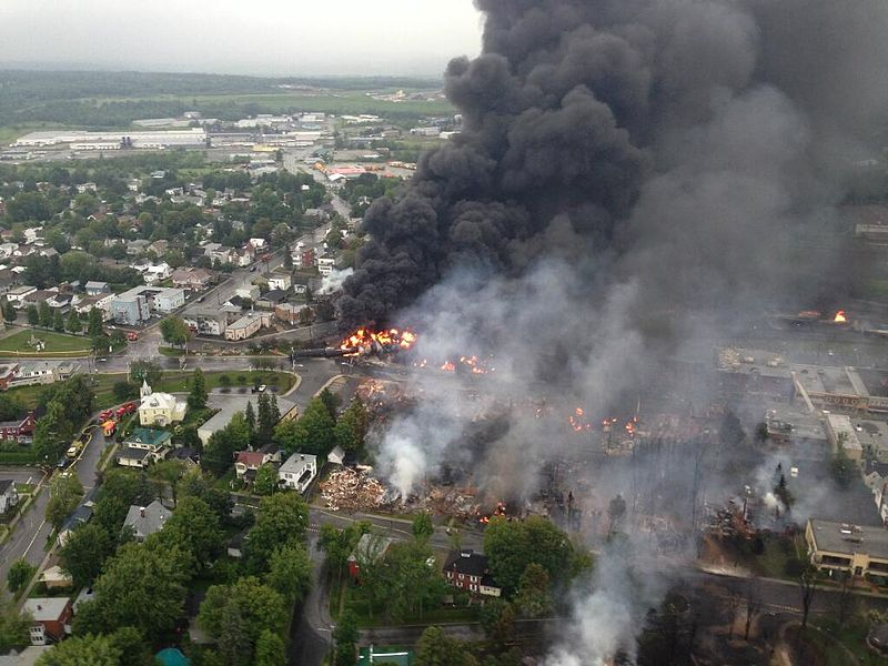 Lac Megantic Burning Photo: Wikipedia Commons