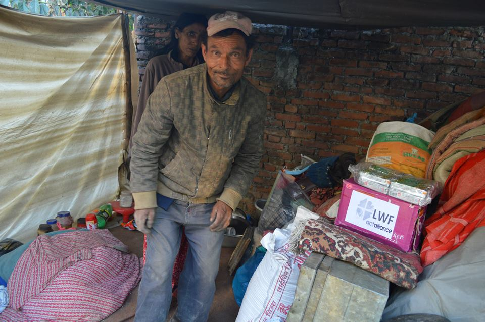 Ready to eat meals are being delivered to families who lost everything in the earthquake in Nepal last weekend. Photo: LWF/ACT